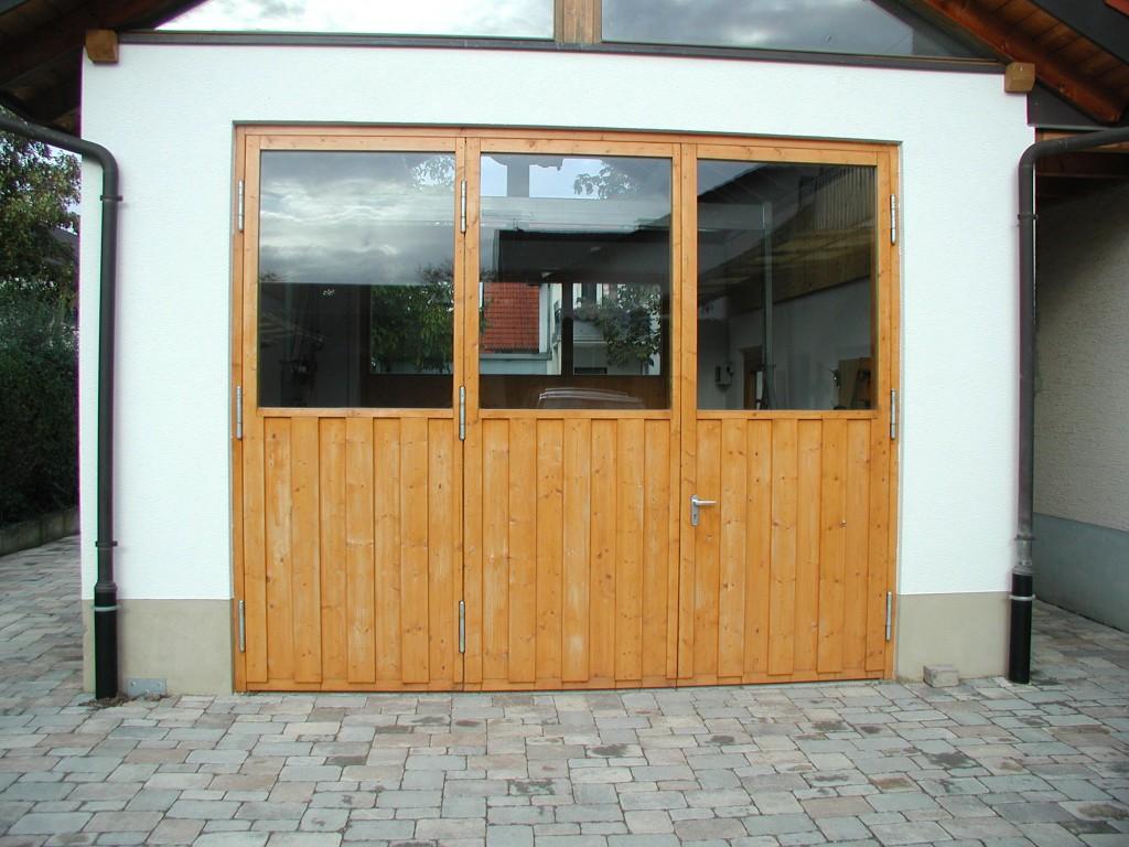 Holz-Flügeltor 3-flüglige Ausführung mit Fenster der Heim und Ruf ...
